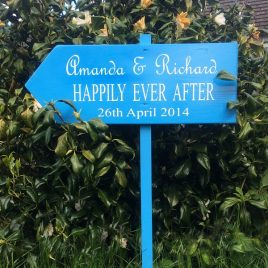 Floor-Standing-Directional-Sign-6-Happily-Ever-After-Personalised-Names