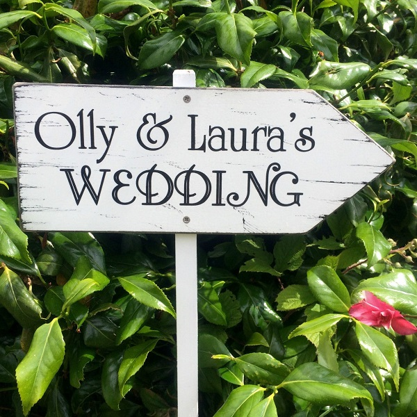 Vintage Wedding This Way Personalised Wedding Directional Wooden Sign