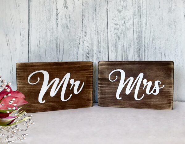 Mr & Mrs top table wedding sign